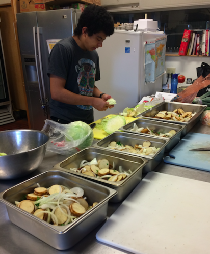 Family Dinner Builds Community at Dragonfly Transitions